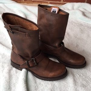 Frye Veronica short boots size 6